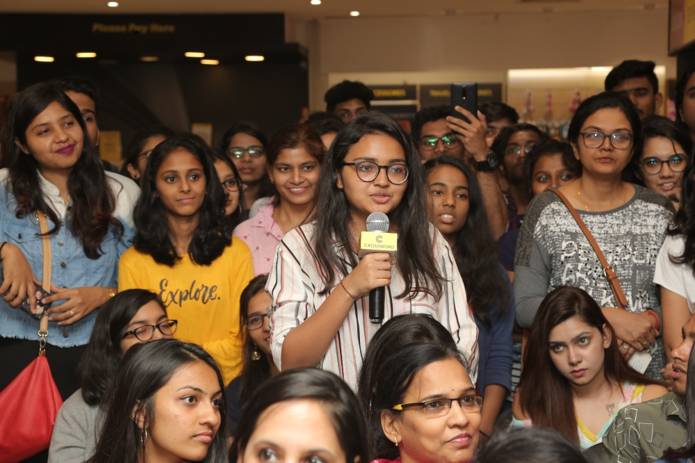 Lovestruck fans of Durjoy at the launch of Pocketful o' stories at Crossword Bookstores, Malad..JPG