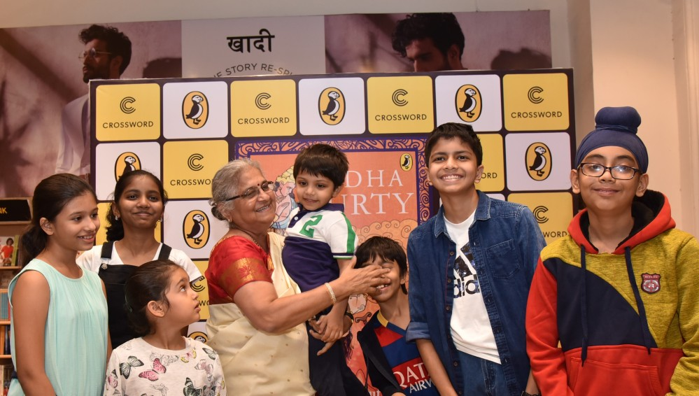 Sudha Murty with kids at the launch of her new book The Upside Down King at Crossword Mumbai